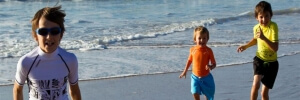 tshirt-protecao-solar-praia-crianca