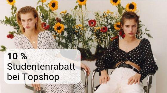 Zwei junge Frauen auf Stühlen vor Sonnenblumen als Symbolbild für den Studentenrabatt bei Topshop