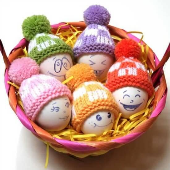 Funny deco knitting eggs