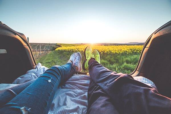 couple-relax_campagne