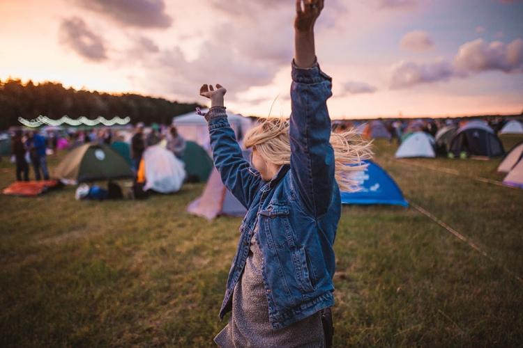 kit-festival-festivaliere-qui-danse