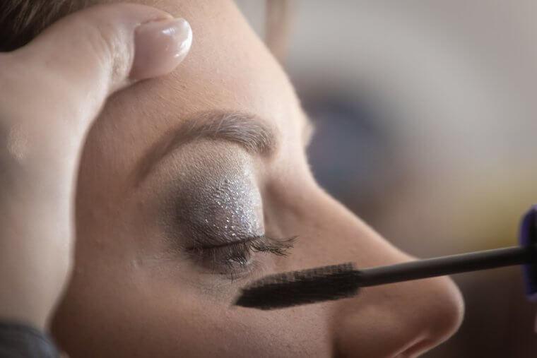 applying makeup beauty money saving tips